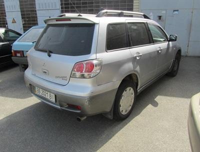 Легковий (універсал) автомобіль MITSUBISHI OUTLANDER, 2004 року, номер кузова JMBXRCU5W4U006327, номер державної реєстрації №ВВ2021ВІ, об'єм двигуна 2,4